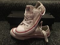 *REDUCED*Brand new Converse chuck Taylor size 2