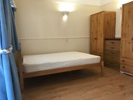 Lovely Studio for Rent - Fees Apply !! - Easy access to Transport!
