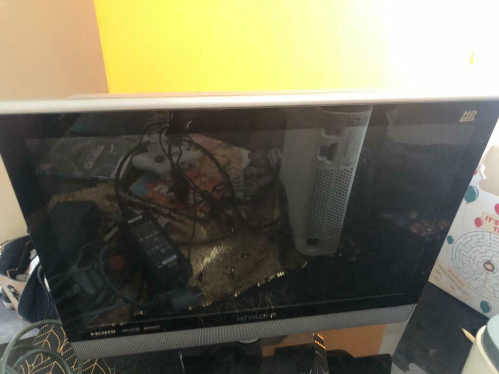 """Hitachi tv/dvd 19"""" 