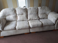 4 Seater excellent condition sofa