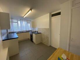 2 bed flat to rent in Neasden