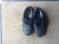 3 pairs of men's shoes, leather/suede size 42, good condition