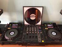 Pioneer CDJ 900 Pair DJM 700 mixer