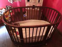 Stokke Cot (Newborn) and Toddler Cotbed interchangeable. Includes fitted sheets & bumper! RTP £950!