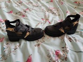 Ladies block sole shoes black open side ankle length size 7 river island NEVER worn. We're £50 new