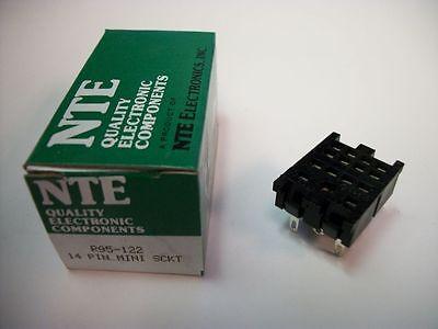 Nte Relay Socket R95-122 - 14pin Blade Socket - Panel Mount - Solder Terminals