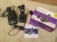 2 digital cordless handsets plus answering machine (BT)