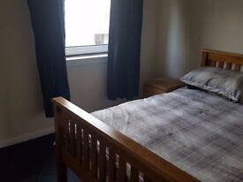 Double bedroom for let in Howden, Livingston (Room 2)
