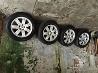 Range Rover 19 inch wheels genuine LR with excellent Tyre'S