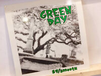 GREEN DAY - 39/SMOOTH VINYL LP (1990 USA REPRESS)