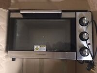 Cookworks 1500watts electric oven barely used, nice and clean