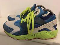 Nike Huaraches size UK 7 men's