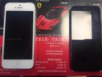 Iphone 5 32 GiG Unlocked 2 Colours available black and white