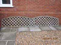Curved trellis fence toppers