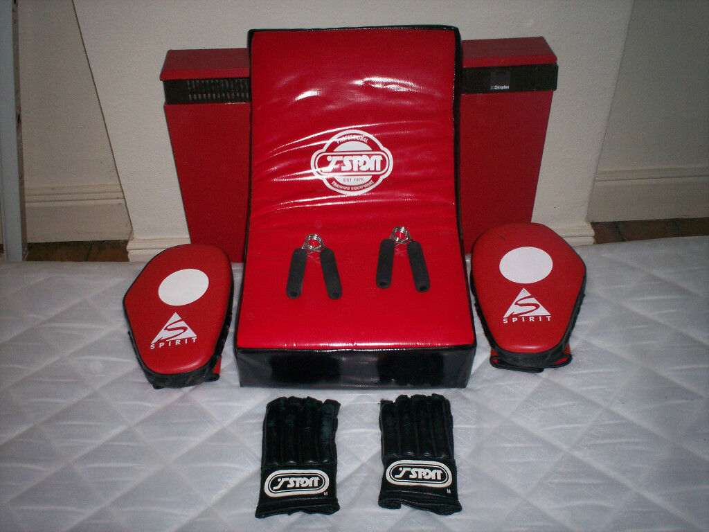 Strike Pad,Jab Mitts,Gloves & Hand Grippers