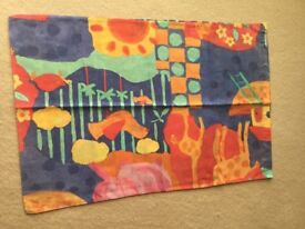 2 single quilt covers and pillowcases