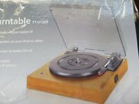 LIMIT USB (or line in) TURNTABLE, LIGHT OAK, HARDLY USED. BOXED upload your vinyl, software included