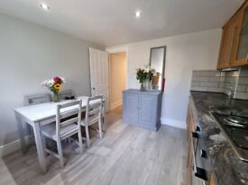 Immaculate and spacious 4 bedroom furnished maisonette in Putney SW15