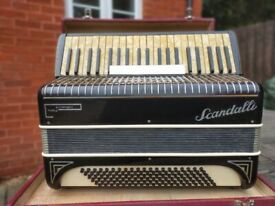 Scandalli symphony 3 accordian