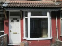 Well Presented 2 Bed House - Quiet Terrace off Newbridge Road, East Hull - £320 pcm
