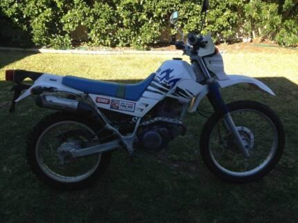 1998 Yamaha XT225