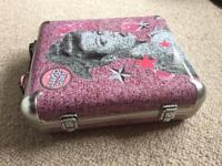 Soap & Glory case