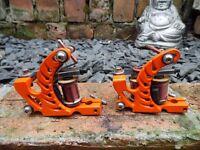 PAIR OF PRO HAND BUILT TATTOO MACHINES ORANGE LINER & SHADER HAND WOUND COILS UK