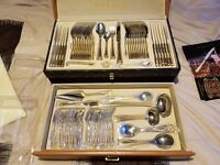 Versailles Frances 72 Piece Cutley Set