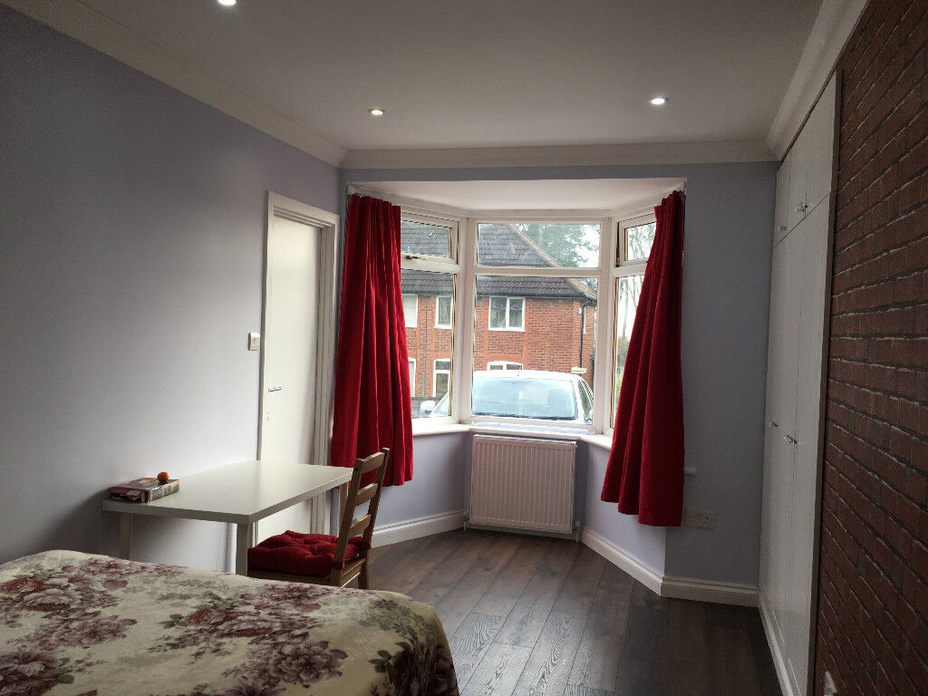 ****Newly Refurbished, Large 1 Double Bedroom with En-suite in Northfield, B31****