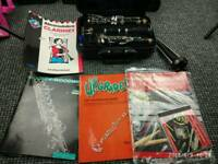 Clarinet yamaha 250 with books and stand