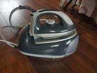 Morphy Richards Steamer - Barely Used- WILLING TO NEGOTIATE