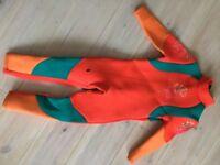 Kids 5mm wetsuit age 8/9