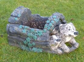 VINTAGE CAST STONE BADGERS & LOG GARDEN PLANTER GARDEN FEATURE