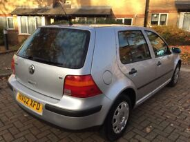 Volkswagen Golf 5 door hatchback GREY 1.6L