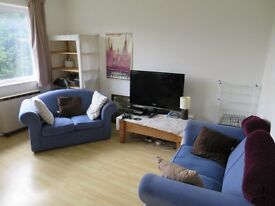 Spacious 2 bedroom flat, conveniently located close to Cowley Road