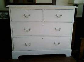 Vintage 2 over 2 Chest of Drawers(antique white)