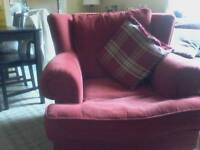 Gorgeous red chair. So comfortable and looks great . Sad to sell but got new furniture