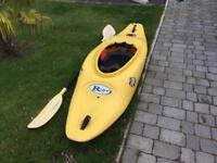 Riot kayak play boat + paddle