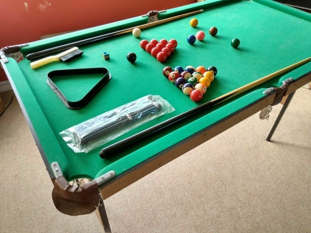 Debut 4'6'' JuniorSnooker/Pool Table with Folding Legs and Accessories - Argos