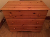 Antique pine coloured 3 drawer chest of drawers (perfect condition)