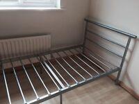 Single frame metal bed