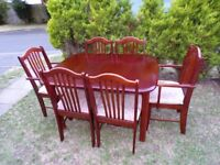 CAN DELIVER - SPACE SAVER EXTENDING DINING TABLE + 6 CHAIRS IN GOOD CONDITION