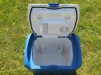 Camping Fridge / Coolbox Cooler Halfords 24 litre 12v