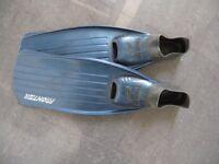 For Sale - Scuba diving Fins size 4-5 Brand 'TIGULLIO'
