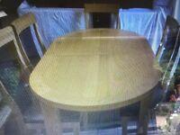 Dinning table oak extending to 2100cm