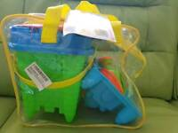 Beach toy set and inflatable mattress