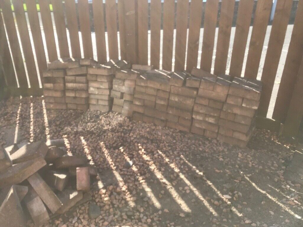 Used Red Monobloc Free for Uplift | in Newburgh, Fife ...