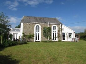The Old Chapel,, countryside, seaside 10 mins drive, beautifully covered, 3 bed/2 bath