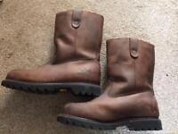 Mens Rigger Boots - size 8. Unworn