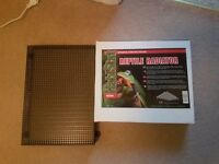 Habistat Reptile Radiator 75w Radiant heat panel brand new in box and Radiator guard